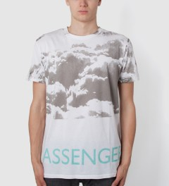Tourne de Transmission White/Mint Print Passenger T-Shirt Model Picutre