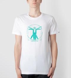 Hombre Nino White Print T-Shirt Model Picutre