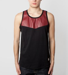 Mister Wine Hide Tank Top Model Picutre