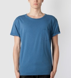 UNUSED Indigo Dye Smoke Blue T-Shirt Model Picutre