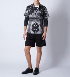 GPPR Black/White Quincy S/S Shirt  Model Picutre
