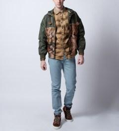Volklore Sand Strattus Shirts Model Picutre