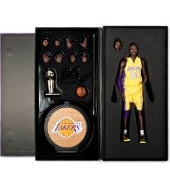 ENTERBAY Real Masterpiece: NBA Collection - Kobe Bryant  Model Picutre