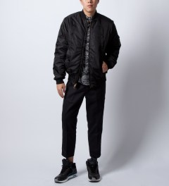 "Bedwin & The Heartbreakers Black ""Brian"" L/S B.D OG Paisley Shirt  Model Picutre"