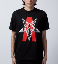 Black Scale Black Abstract Reality T-Shirt  Model Picutre