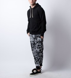UNYFORME Black Ceremony Jones Sweatpant Model Picutre