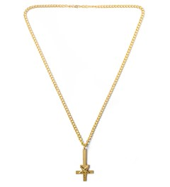 Black Scale Gold Pentacross Necklace Model Picutre
