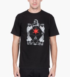 Black Scale Black Six Pointed Knight T-Shirt Model Picutre