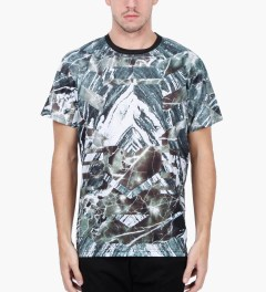 Uppercut Multicolor Marble Print T-Shirt Model Picutre