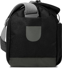 ULTRAOLIVE Black/Grey Pebble Duffle Bag Model Picutre