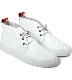 Del Toro White Quilted Chukka Model Picutre