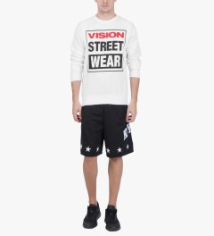 VISION STREET WEAR White Logo Fleece Sweater Model Picutre