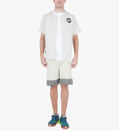 Hall of Fame Heather Grey/Oatmeal 4 Points Shorts Model Picutre
