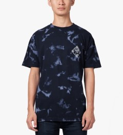 CLUB 75 Navy HUF x Club 75 Bleached Wash T-Shirt Model Picutre