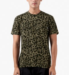 Carhartt WORK IN PROGRESS Leopard Print S/S Pocket T-Shirt Model Picutre