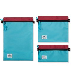 Penfield Red/Teal Delray Zip-Pouch Model Picutre