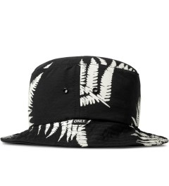 ONLY Black Ferns Bucket Hat Model Picutre