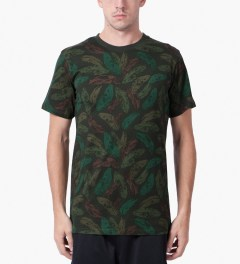 UNYFORME Dark Green Mulberry T-Shirt Model Picutre