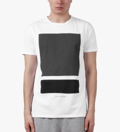 Tourne de Transmission White/Black/Grey Split Box Print T-Shirt Model Picutre