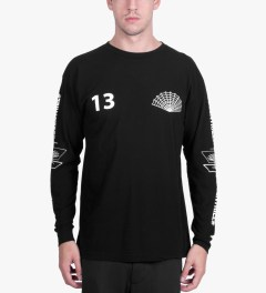 BEENTRILL Black Dimensions L/S T-Shirt Model Picutre