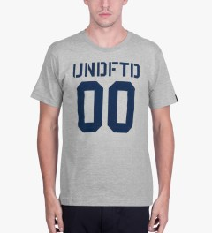 Undefeated Heather Grey 00 T-Shirt Model Picutre