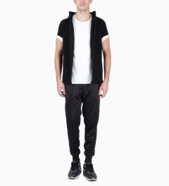 UNYFORME Black Bergen Mesh Sweatpants Model Picutre