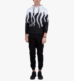 OCTOPUS White Basic Pullover Hoodie Model Picutre
