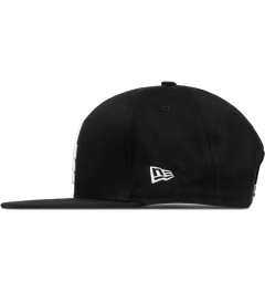 Marcelo Burlon Black Cross W 9Fifty Snapback Cap Model Picutre