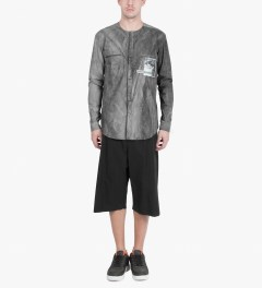 Damir Doma Coal PARVI Shorts Model Picutre