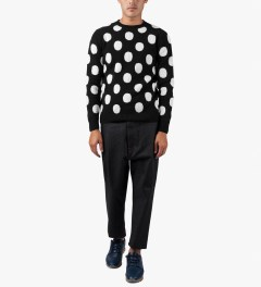 ami Black/White Round Neck Dotted Sweater Model Picutre