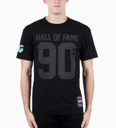 Hall of Fame Black 90's T-Shirt Model Picutre