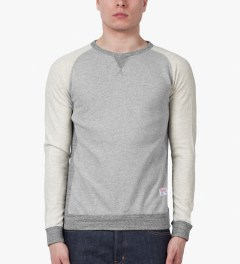 Bedwin & The Heartbreakers Grey L/S Freedom C-neck Lou Sweater Model Picutre