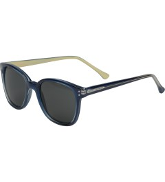 KOMONO Navy Cream Renee Sunglasses Model Picutre