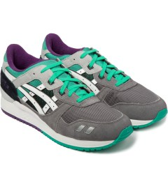 ASICS Grey/White Gel-Lyte III Shoe Model Picutre