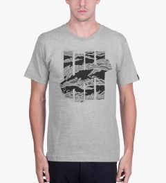 Undefeated Heather Grey Large Camo Strike T-Shirt Model Picutre