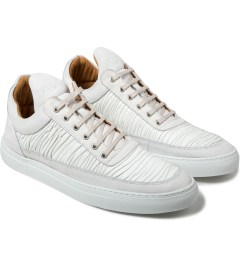 Filling Pieces Off White Wrinkled Leather Low Top Sneakers Model Picutre
