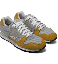 Reebok Garbstore x Reebok Baseball Grey/Trophy Gold Phase II Shoes Model Picutre
