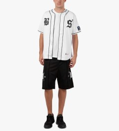 Undefeated White BS Jersey Model Picutre