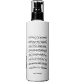 Gentleman's Brand Co. 250ml Foaming Face Wash Model Picutre