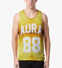 AURA GOLD Gold Sub Tank Top Model Picutre