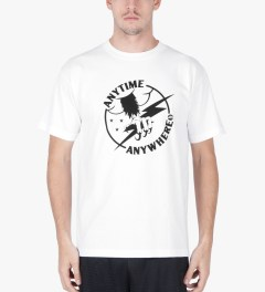 Heel Bruise White AA Claw T-Shirt Model Picutre