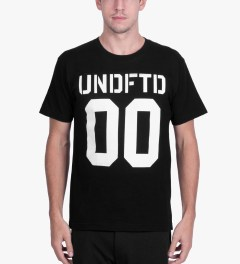 Undefeated Black 00 T-Shirt Model Picutre