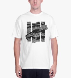 Undefeated White Large Camo Strike T-Shirt Model Picutre
