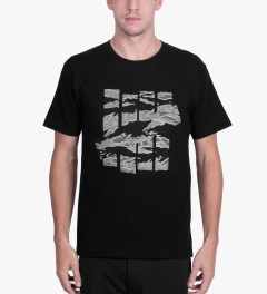 Undefeated Black Large Camo Strike T-Shirt Model Picutre