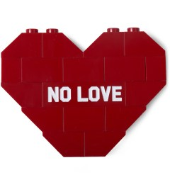 "Dee & Ricky Dee & Ricky x Daily News Project Red ""NO LOVE"" Brooch Picutre"