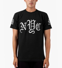 40 oz NYC Black OLDE New York T-Shirt Model Picutre