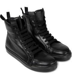 KRISVANASSCHE Black With Zip At The Back Sneakers Model Picutre