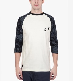 10.Deep Natural Slope ¾ Sleeve Baseball T-Shirt Model Picutre