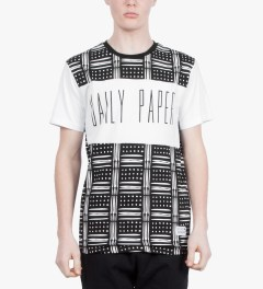 Daily Paper White Congo Panel Script T-Shirt Model Picutre