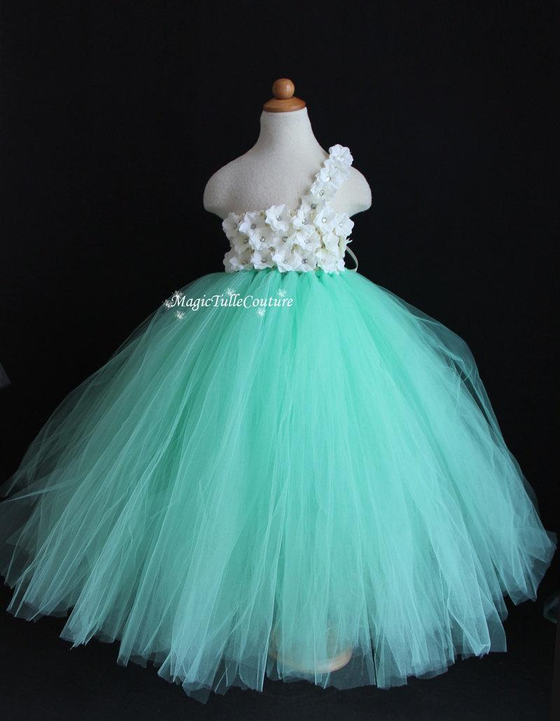 mint wedding dresses mint wedding dress Coral and mint make a dream team combo that we can t get enough